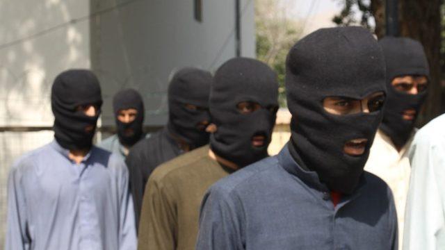 IŞİD-K, Pakistan'dan uyuşturucu ve insan kaçakçılığı yapılan Nangarhar bölgesinde üslendi