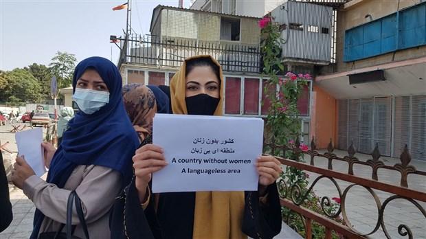 afganistan-da-kadinlar-haklari-icin-mucadele-ediyor-kadinlarin-olmadigi-toplum-olu-bir-toplumdur-917390-1.