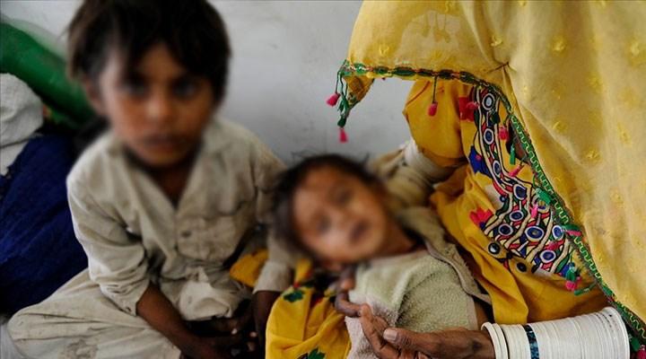"""Hindistan'da """"gizemli"""" yüksek ateş: Çoğunluğu çocuk en az 50 kişi can kaybı"""